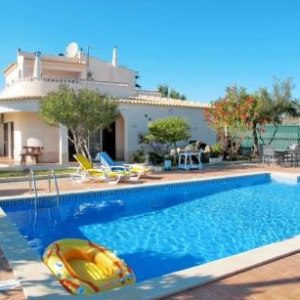 Ferienhaus mit Pool (ADP193) vakantiehuis