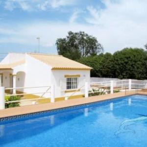 Ferienhaus mit Pool (PAD120) vakantiehuis